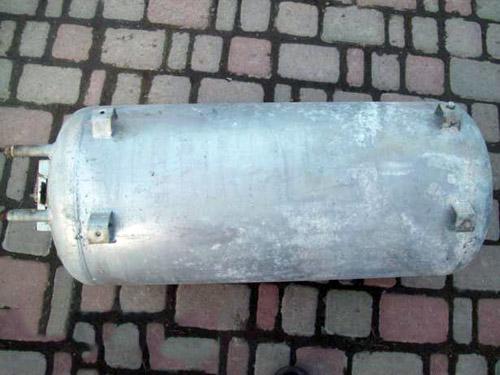 цилиндрический бак для водонагревателя