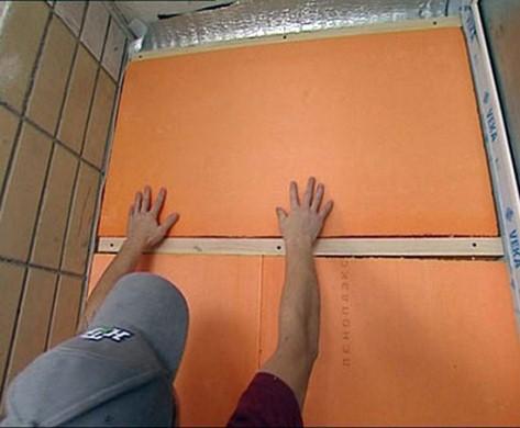 укладка пеноплекса для утепления балкона