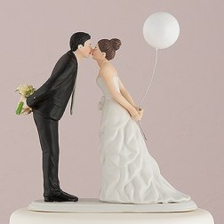 9476-z_leaning-in-for-a-kiss-couple-figurinede340601df19fa1734769b6794681175