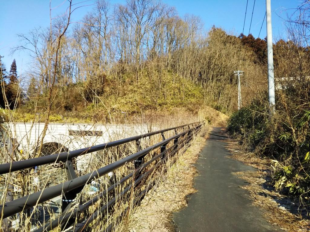 盛岡北山トンネル上部の通路