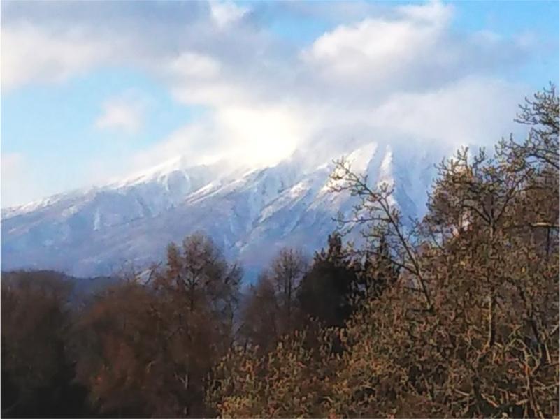 高松の池周辺きじやまカフェから見る岩手山