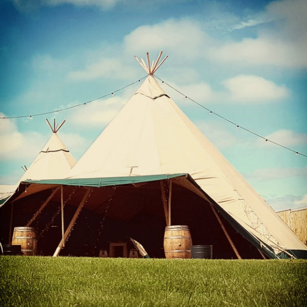 Cotswold Tipi Bar ready for Festival to start