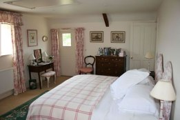 Well Farm Bedroom Frampton Mansell