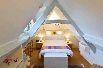 cotswold-village-rooms-cosy-corner-cottage-bedroom2