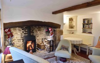 Cosy Corner Cottage, Evenlode, Living Room Fireplace