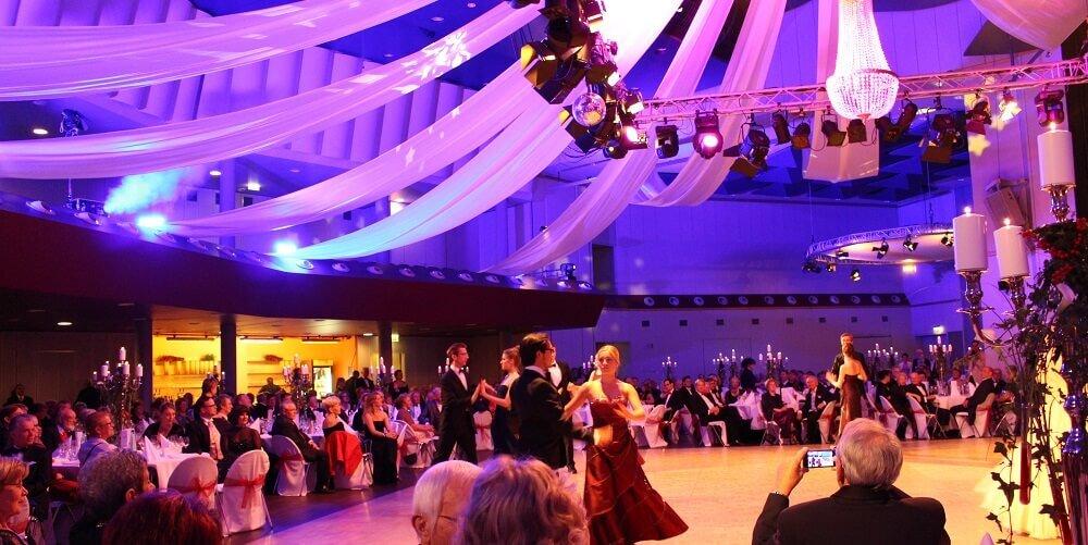 elegant and exclusive opera ball © by Kristin Sammann