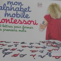 { PARTENARIAT } Alphabet mobile Montessori