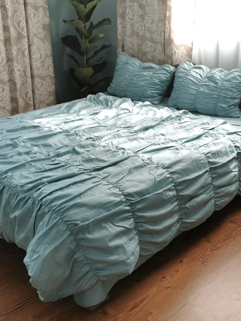 set de pat din bumbac satinat turcoaz cu cusaturi elaborate si aspect grofat