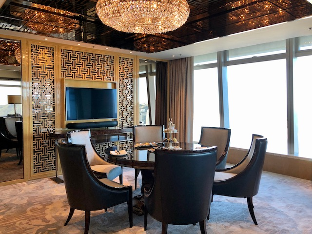 staycation wonderful suite life at the ritzcarlton hong