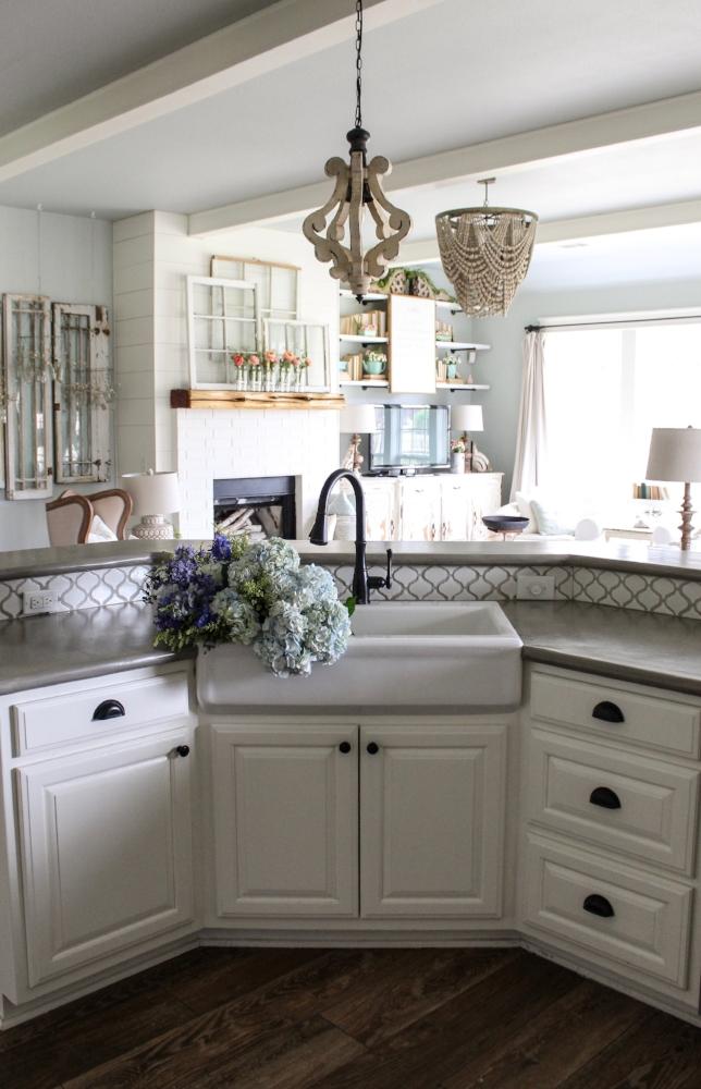 Springtime Home Tour - Kitchen and Nook! - Cotton Stem on Farmhouse Counter Tops  id=25025