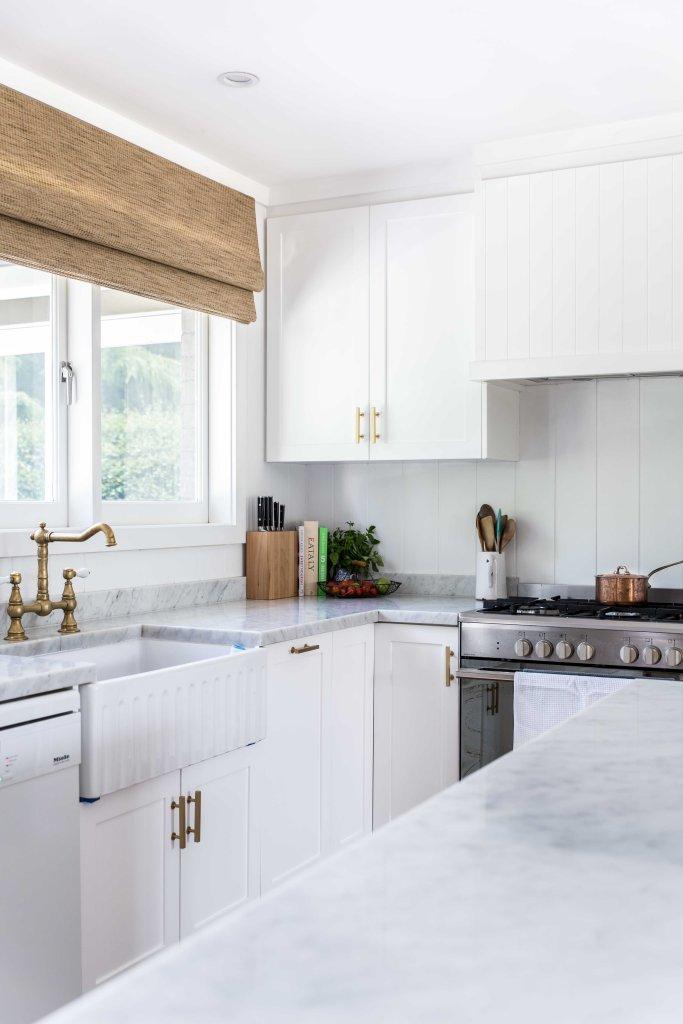 Nicki Dobrzynski modern farmhouse kitchen bamboo blinds
