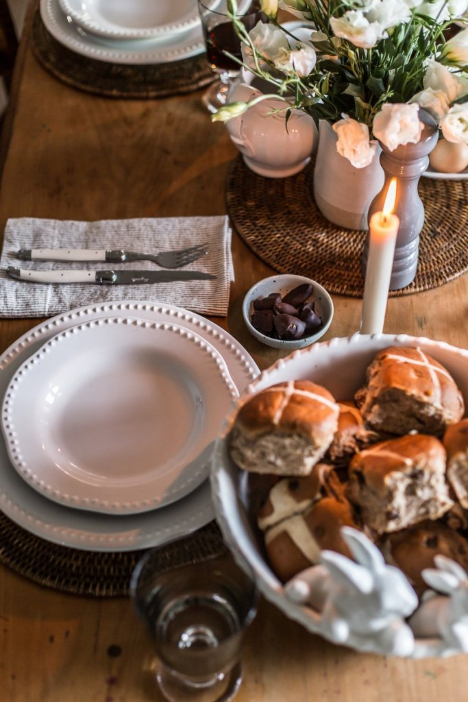 Simple Easter Table Setting - Cottonwood & Co