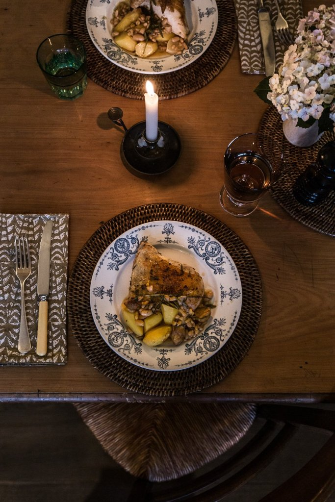 Dinner cottage kitchen table - chicken supreme