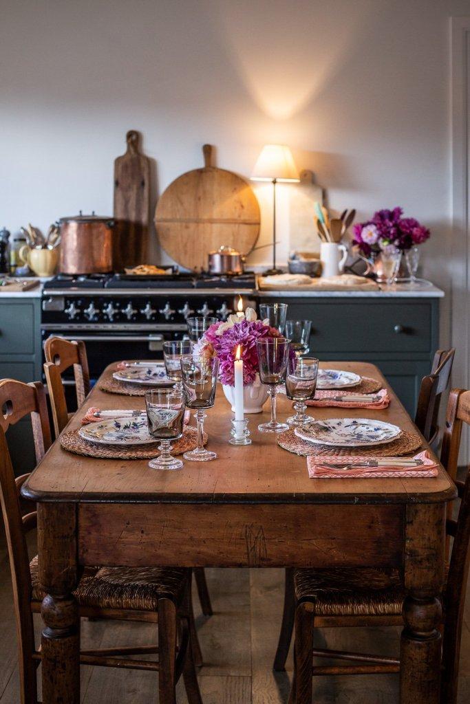 pretty table in kitchen