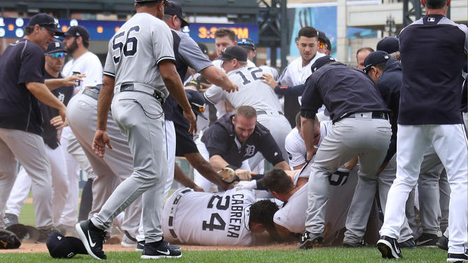 , WATCH: Benches Clearing Brawl Between Tigers and Yankees