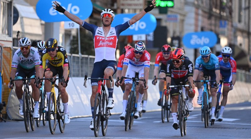 Jasper Stuyven crosses the line first at the 2021 Milano-Sanremo.