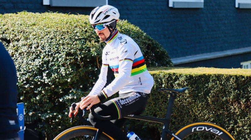 Julian Alaphilippe trains in the World Champion's rainbow bands ahead of the 2021 Amstel Gold Race