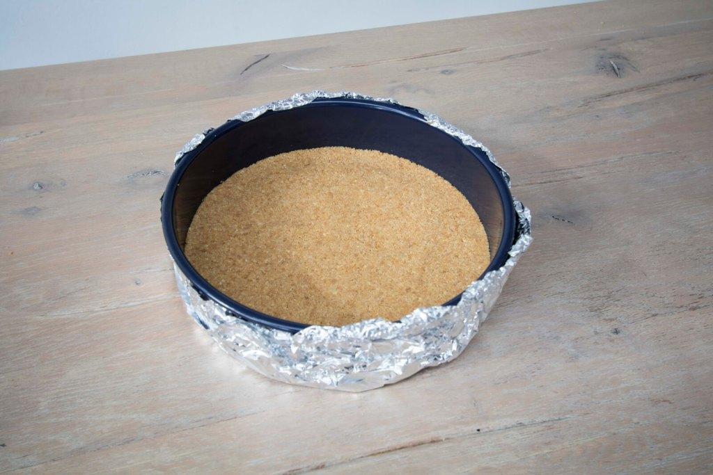 Best-New-York-Cheesecake-aluminium-wrapping-crunchy-crust