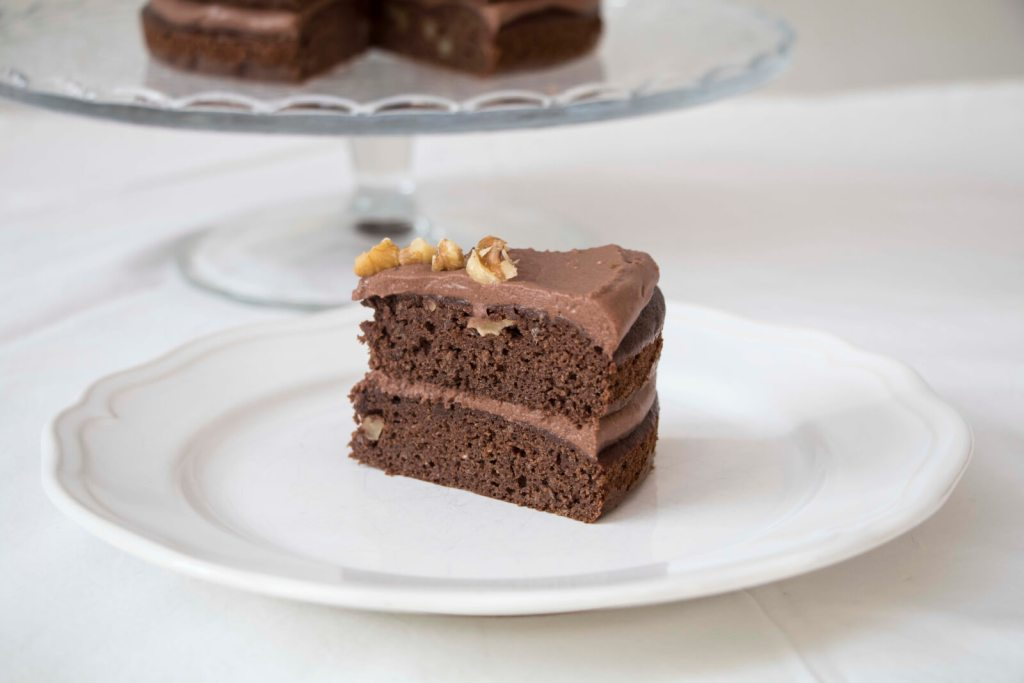 Best-healthy-chocolate-cake-with-chocolate-frosting-gluten-free
