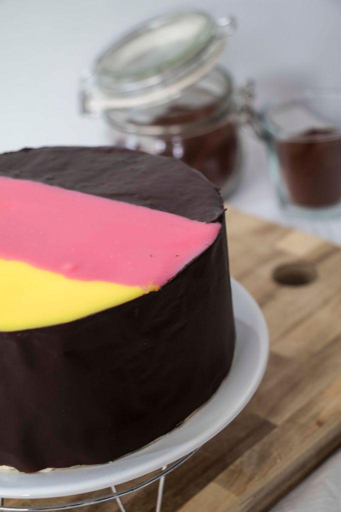 Danube-Wave-Cake-German-Flag-Cake-Donauwelle-Torte-Schneewittchenkuchen