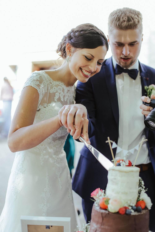 3-tier-rustic-wedding-cake-hochzeitstorte-vintage-naked-cake (16)