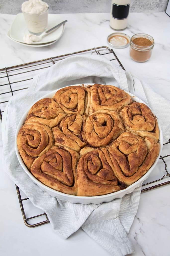 homemade-Cinnamon-buns-recipe-saftige-Zimtschnecken-rezept (13)