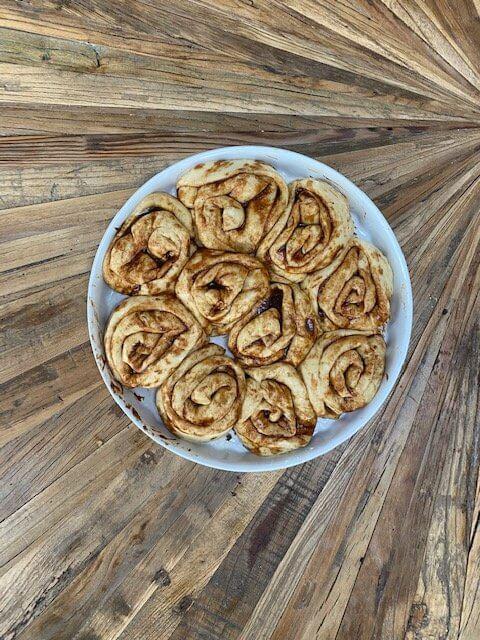 vegan-Cinnamon-Rolls-yeast-proofing-vegane-Zimtschnecken-hefeteig