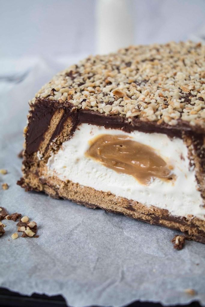 Giant-Kinder-Maxi-King-Cake-Riesen-Kinder-Maxi-King-Torte (2)