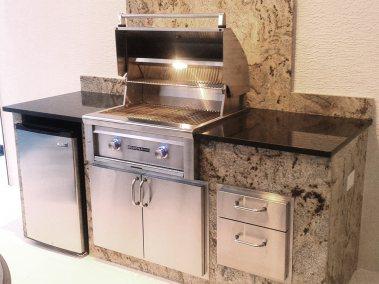 granite-outdoor-kitchen