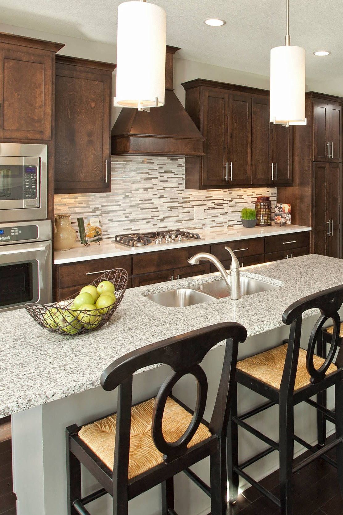 38 Popular White Granite Countertop Dark Cabinets on Black Granite Countertops With Brown Cabinets  id=77288