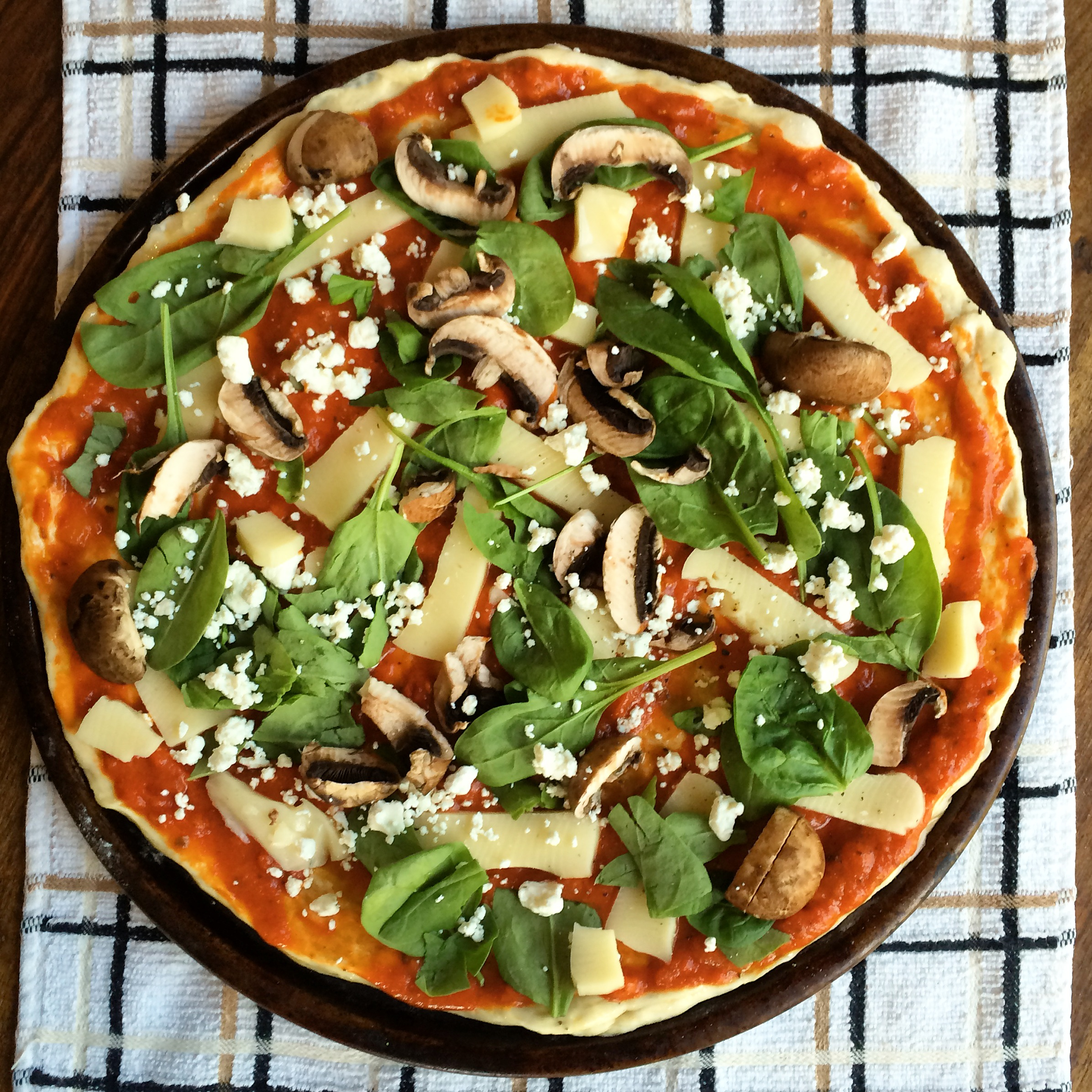 Make a Healthy Pizza. Spring and Chelsea