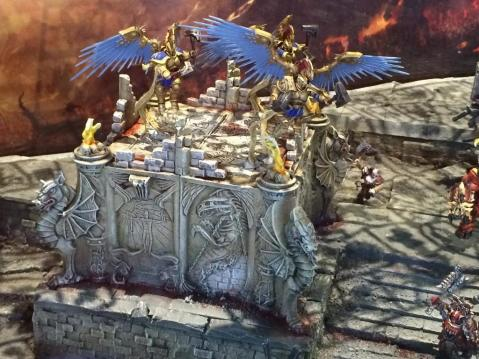 Warhammer: Age of Sigmar - Ruined building with relief sculpture - Scenery