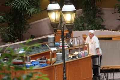 Le comptoir des omelettes du Viscount Suite Hotel de Tucson...