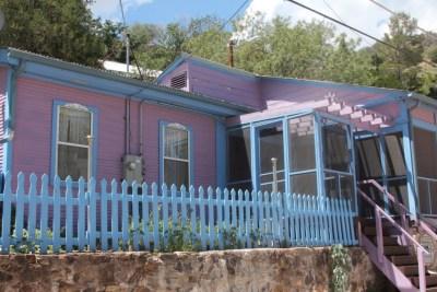 Bisbee - C'est une maison bleue... et rose !