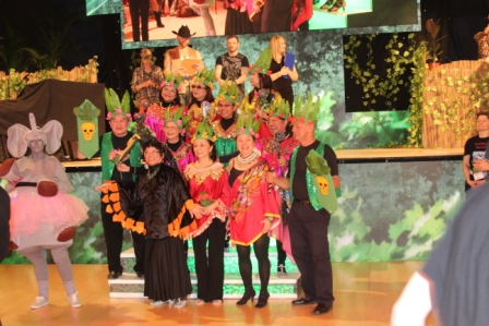 """La Jungle Malaisienne remporte le prix du plus beau déguisement """"Grand Groupe"""""""