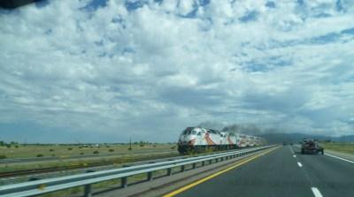 """En route pour Santa Fe - Le train décoré """"Road Runner"""""""