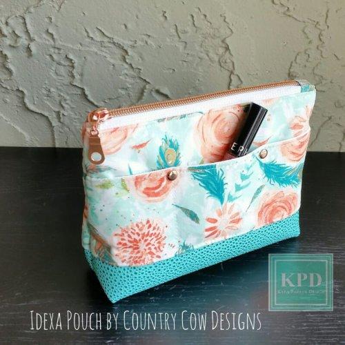 Idexa pouch made by Kaya Papaya