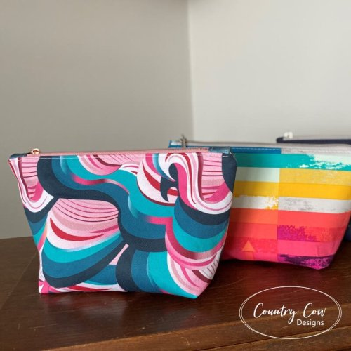 Nasyow pouch free sewing pattern by Country Cow Designs