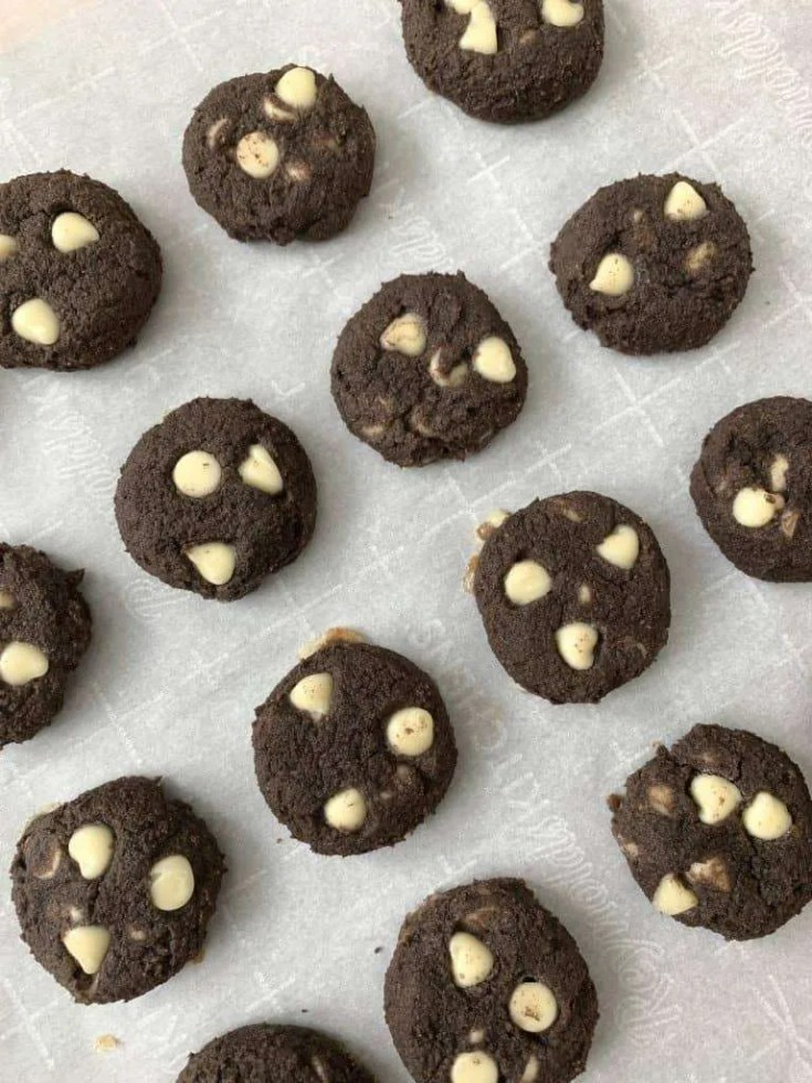 Tuxedo Cookies (THM-S, Low Carb, Sugar Free)