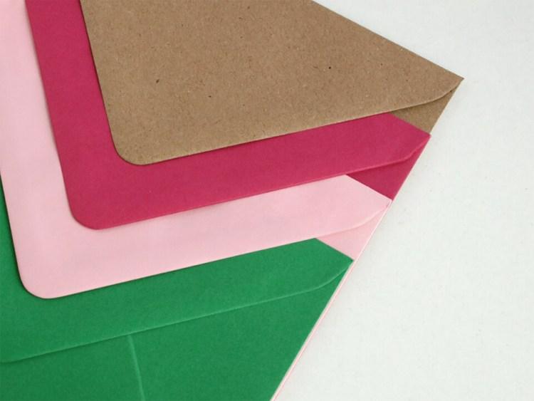 Sobres para bodas y eventos, kraft, rosa fucsia, rosa claro y verde