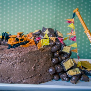 "How To Make An Easy ""Demolition Site"" Birthday Cake"