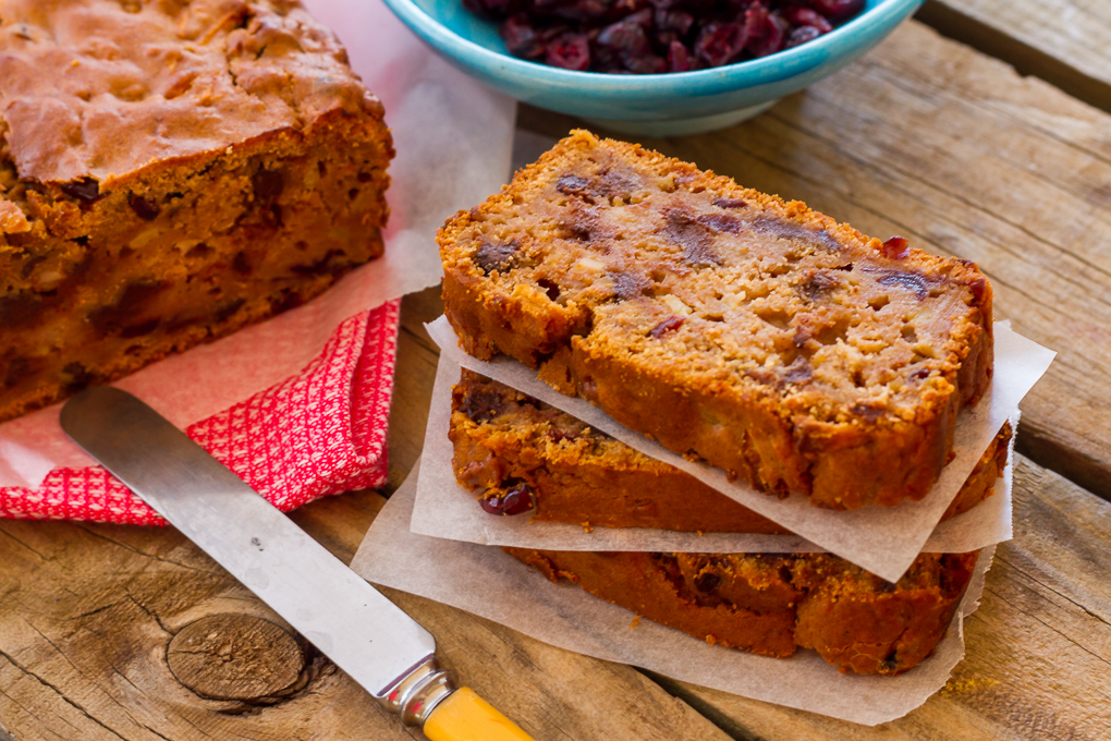 Apple Cranberry And Dark Chocolate Loaf-4