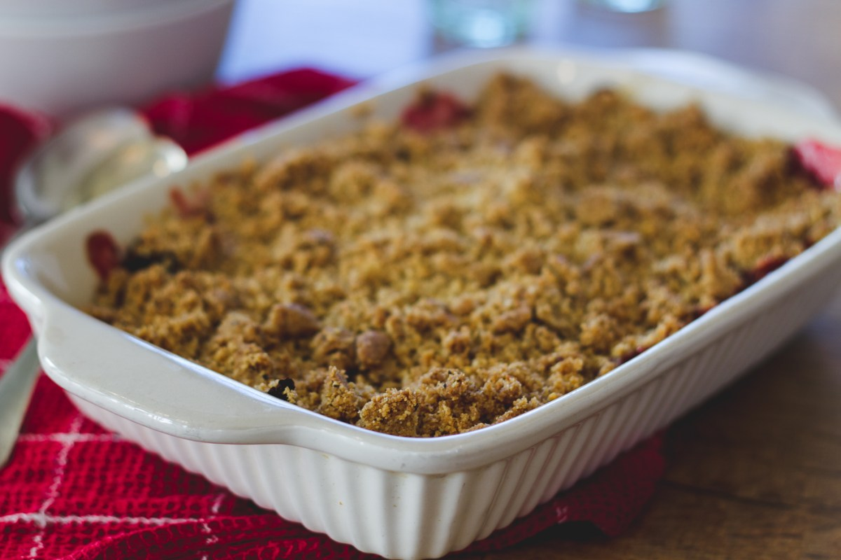 Rhubarb and Hazelnut Crumble
