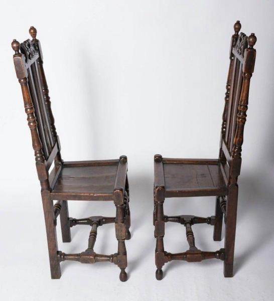 Good pair of Charles II oak chairs (England, c. 1680) Side