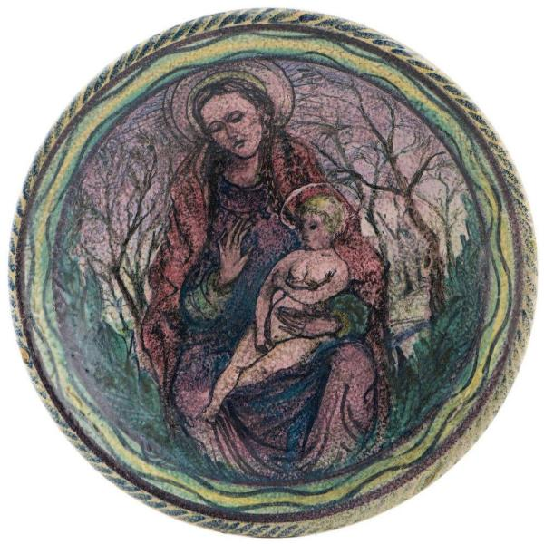 Decorative plate, UK 1940 Front Mother and Child