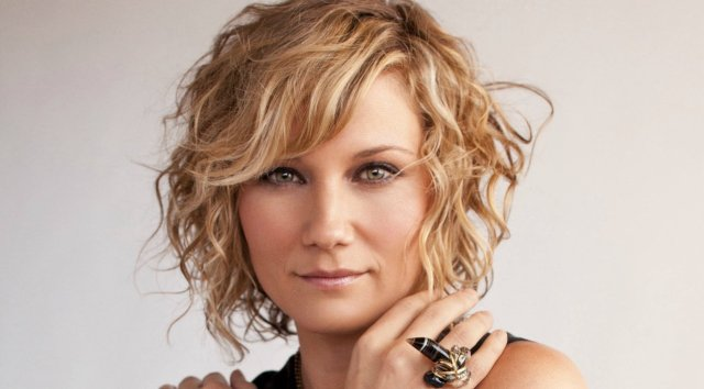 jennifer nettles rushed to hospital after horrible accident