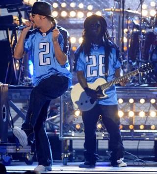 Lil Wayne alongside Kid Rock at the 2008 Country Music Awards