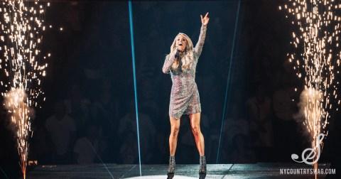 Carrie Underwood Women