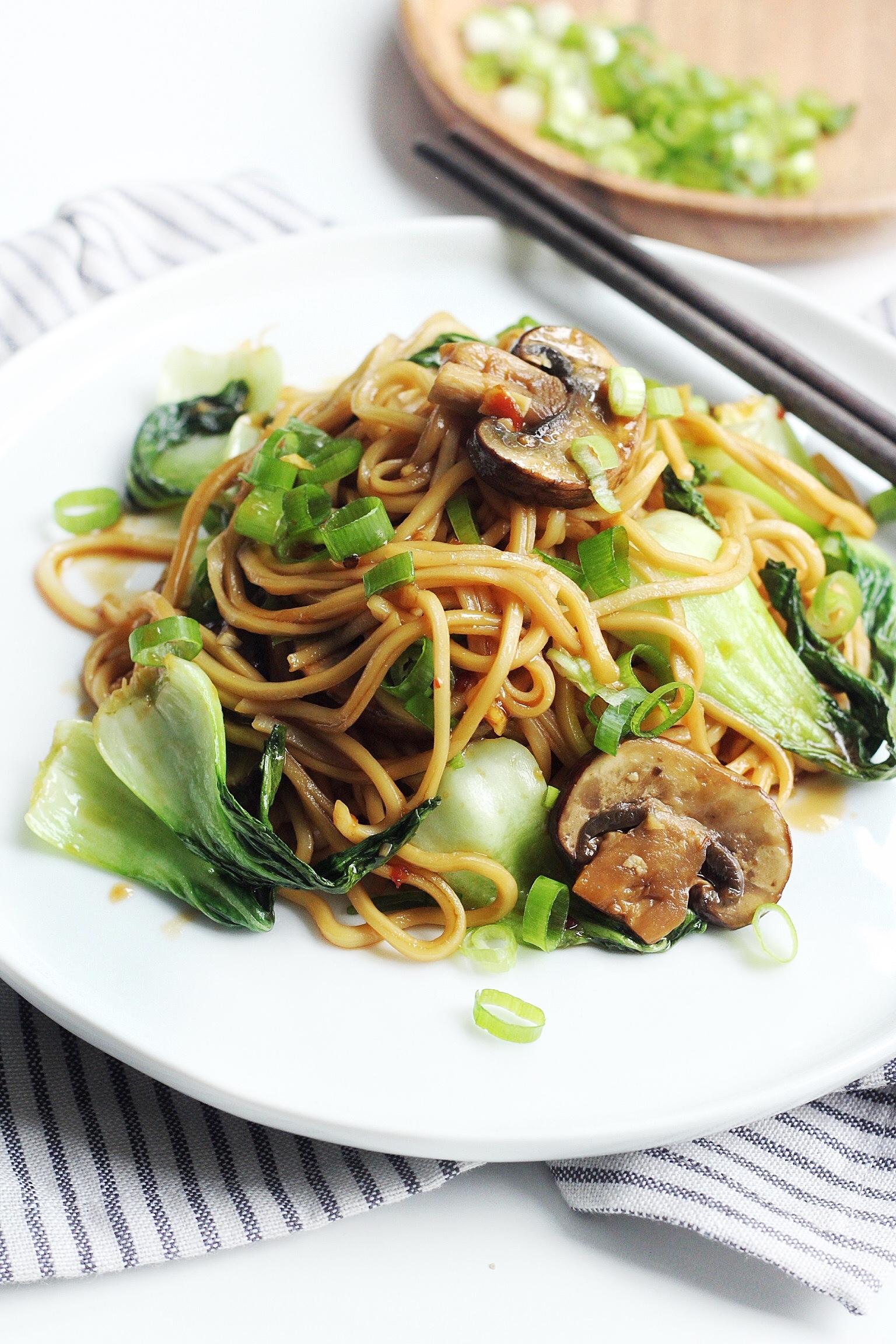 Easy Asian Garlic Sesame Noodles