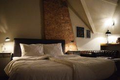 Welcoming huge & comfortable bed   Boutique Hotel Sleep-Inn Box 5 Nijmegen © CoupleofMen.com